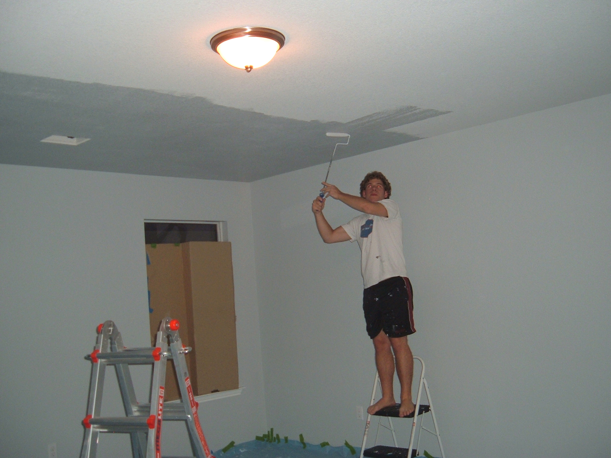 Sexy ceilings what the vita for How to light a painting on the wall